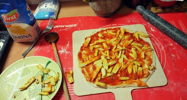 Pizza chicken of the woods + cukinia w curry
