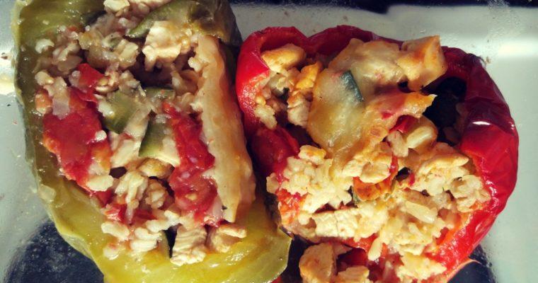 Papryki faszerowane kurczak + cukinia + pomidory + ryż