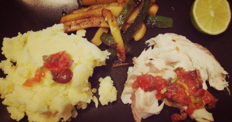 Dorada pieczona w soli + karmelizowana cukinia + ziemniaczki + oliwkowa gremolata