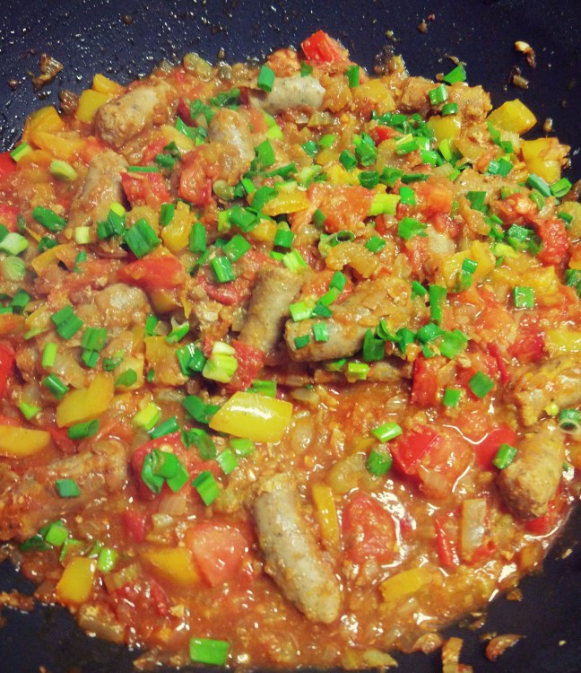 Potrawka kiełbaski + pomidory + papryka