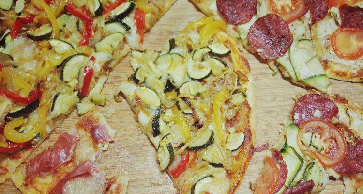 Pizza warzywa, salami, parma