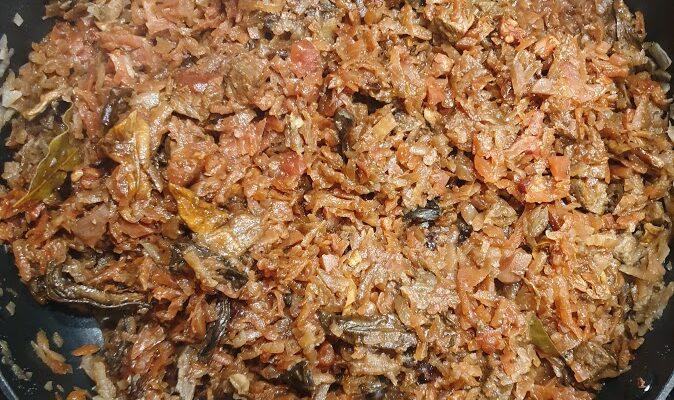 Bigos z kiszonych buraków (i przepis na zakwas i barszczyk)