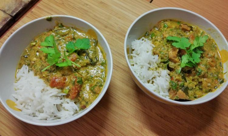 Curry indyjskie jagnięcina + pomidory + szpinak
