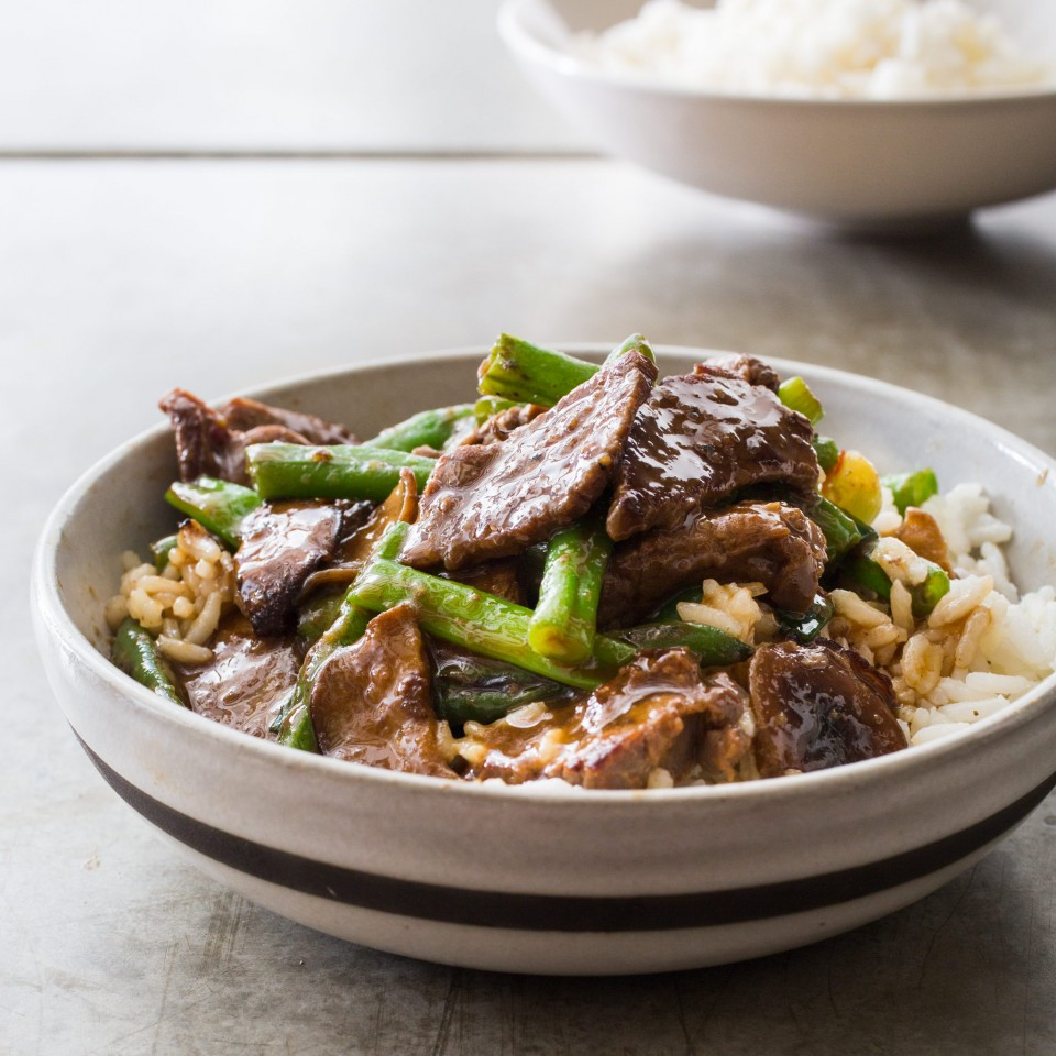 Stri fry grzyby shitake + fasolka + stek w sosie teryikai