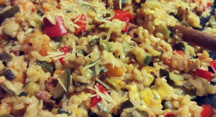 Letnie risotto z warzywami i kurkami