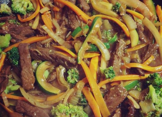 Strifry stek + brokuły + cukinia + marchew + shitake