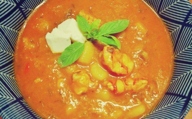 Zupa rybna pikantna pomidorowo-paprykowa dorsz + krewetki