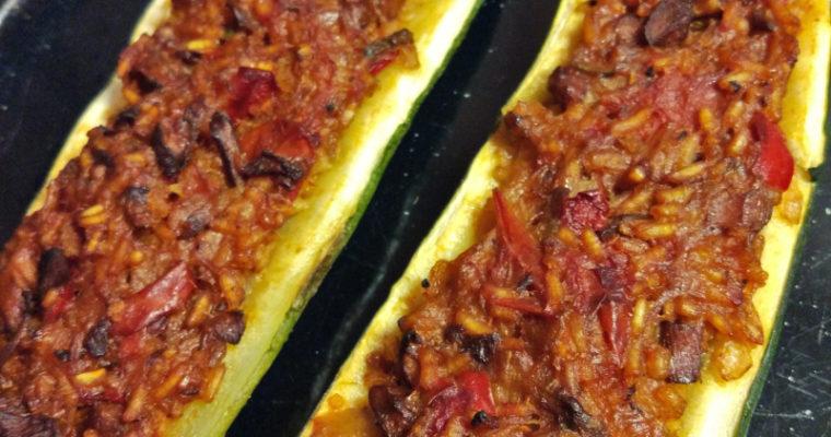 Cukinia faszerowana letnie warzywa + kurki + ryż