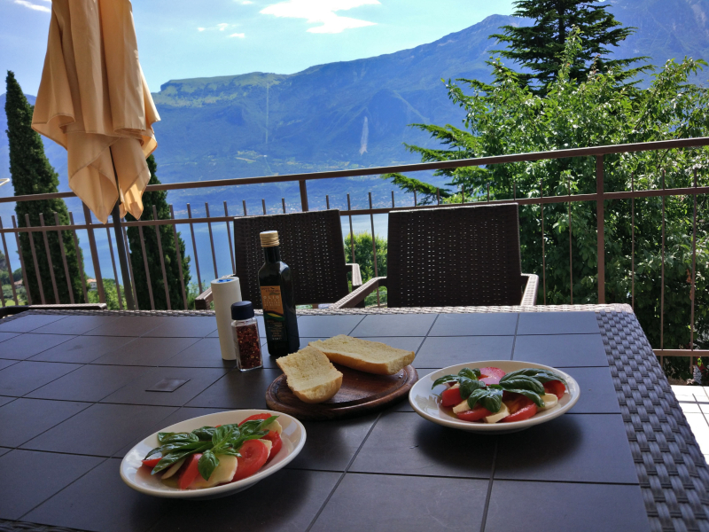 Śniadanie nad Gardą :)